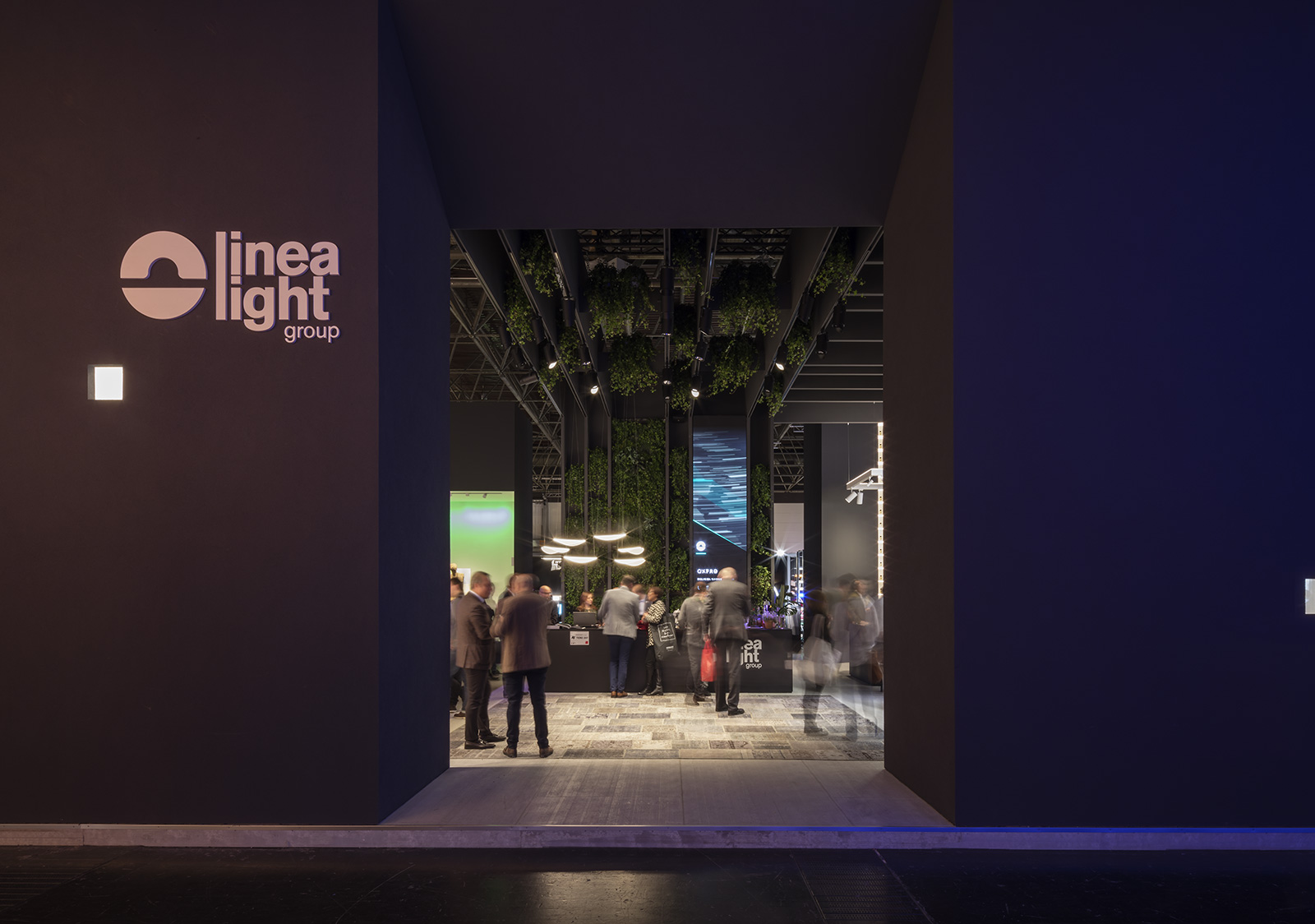 Meet. Feel. Show. Enjoy the light | Bericht über die Messe Euroshop 2017